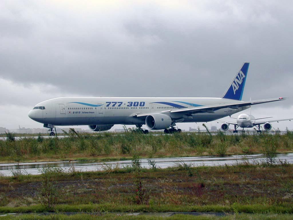 ANA 777-300