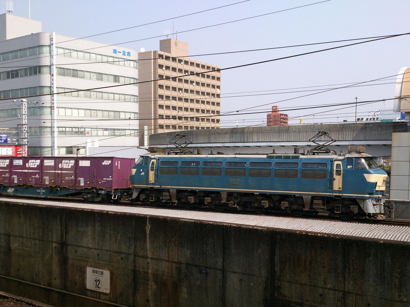 2074レ EF66-52