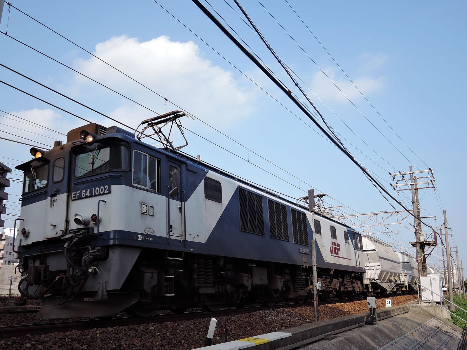 5767レ、EF64-1002